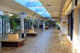 file frederickmall kitchener interior jpg wikimedia commons