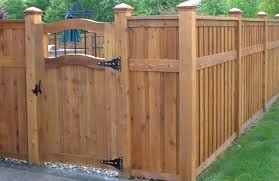 Fence Ideas For Small Backyard Backyard Fence Design Backyard Fencing Ideas Landscaping Network