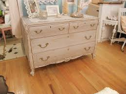 Shabby Chic Furnishings by How To Paint Shabby Chic Furniture
