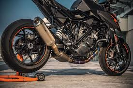 review 2017 ktm 1290 super duke r cycleonline com au