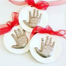 baby footprint and handprint from thebabyhandpri