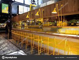 restaurant cuisine ouverte restaurant cuisine ouverte moderne sur le nouveau marché de