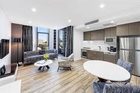 meriton appartments sydney meriton suites mascot central sydney compare deals