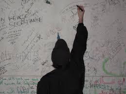 Wall Writing Writing U0027s On The Wall Moïcani L U0027odéonie