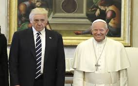 Pope Meme - donald trump meets pope francis 22 of the funniest memes