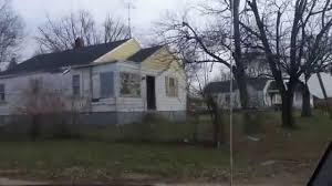 Trash House Welcome To The Drexel Neighborhood In Dayton Trotwood Ohio White