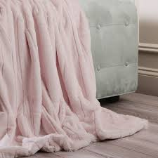 best 25 pink blanket ideas on pinterest peaceful bedroom vs