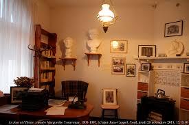 bureau d ecrivain le jour ni l heure 3369 musée marguerite yourcenar à sai flickr