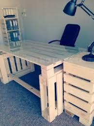 construire un bureau en bois 3 palettes sont suffisants pour construire un bureau pur le
