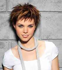 how tohi lite shirt pixie hair pixie haircuts with highlights short pixie cut with highlights