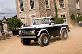 jeep bronco white a closer look at the vintage ford bronco in u0027kingsman the golden