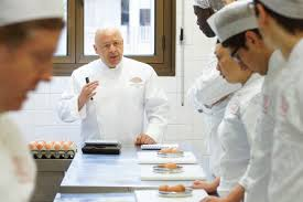 thierry marx cuisine mode d emploi chef thierry marx provides for refugees billionaire