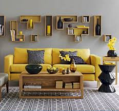 Winsome Traditional Living Room Wall Decor - Decorate a living room wall