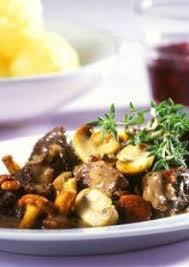 cuisine gibier civet de gibier aux chignons et boulettes de pommes de terre