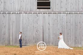 Barn Wedding Tennessee Tennessee Barn Wedding Lindsey Dakota Josh Bennett Photography
