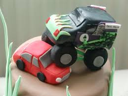 the grave digger monster truck the grave digger monster truck cake cakecentral com