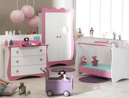 chambre complete pour bebe certains parents aiment respecter les codes couleurs et apprécient