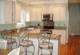 Pictures Of White Kitchen Cabinets by Antique White Kitchen Cabinets Decorating Clear