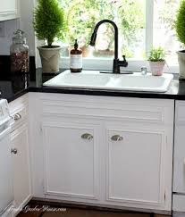 Black Countertop Kitchen by Best 20 Painting Formica Countertops Ideas On Pinterest Paint