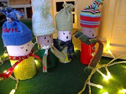 christmas carolers craft a toilet roll choir