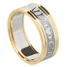 wedding band that will go with my east west oval e ring my soul mate yellow gold wedding band wedding rings