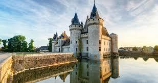 chambres d hotes sully sur loire le château fort de sully sur loire tourisme loiret