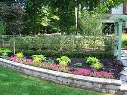 retaining wall vs garden wall