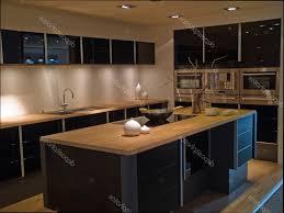 cuisine en bois design cuisine bois et noir simple great bois et