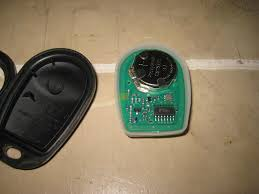 2005 toyota tacoma battery 2015 toyota tacoma key fob battery replacement guide 012