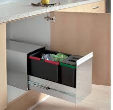 poubelle cuisine encastrable sous evier poubelle de cuisine inox coulissante de tri sélectif