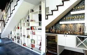 cuisine sous escalier cuisine sous escalier cuisine de luxe moderne 8 rangement sous