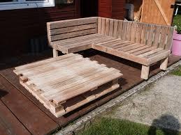 meuble fait en palette construire un canapé avec des palettes fabriquer un banc en bois