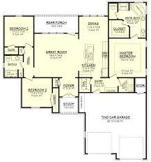 1900 sq ft house plans choosing a unique 4 bedroom house plan under 1900 sq ft homeblend