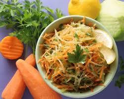 cuisiner un choux vert recette salade de chou vert aux carottes et aux raisins