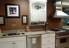 kitchen wall paint with brown cabinets 10 beautiful kitchens with brown walls
