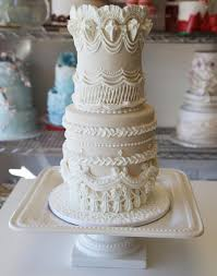 flour power tips for arranging sugar flowers on cakes