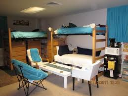 Sick Dorm Room Media Center Setup And Workstation New by Best 25 Triple Room Ideas On Pinterest Triple Bunk Beds Triple