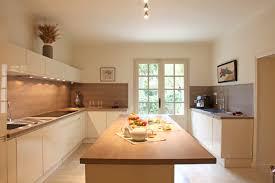 cuisine bois et cuisine moderne blanche et bois fashion designs
