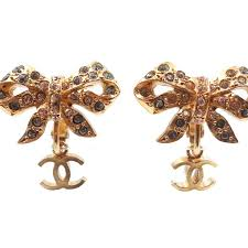 dangle clip on earrings chanel gold plated bow cc dangle clip on earrings lar