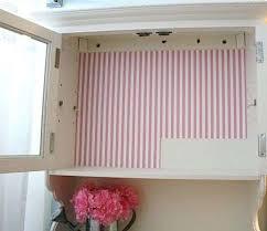 carta da parati su armadio armadio rivestito con carta da parati idee per interni e mobili
