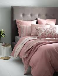 chambre grise et poudré chambre grise et poudre chambre grise et coussins roses et