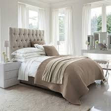 chambre blanc et taupe chambre taupe et blanche great chambre simple chambre