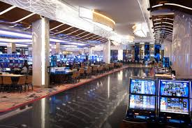 vegas on the potomac mgm national harbor opens today overlooking