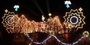 putting up christmas lights business paul tudor jones christmas lights display business insider