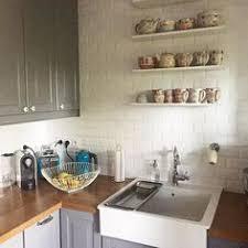 decoration interieur cuisine la vaisselle s expose dans la cuisine winkdeco design deco