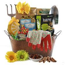 Garden Gifts Ideas Gardening Gift Baskets Gardening Gift Ideas Diygb Gardener Gift