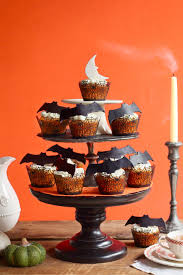 How To Decorate A Cake For Halloween 30 Halloween Cupcake Ideas Easy Recipes For Cute Halloween Cupcakes