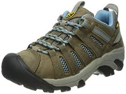 womens hiking boots size 11 amazon com keen s voyageur hiking shoe hiking shoes