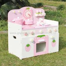 china 2016 new design preschool home play wooden strawberry