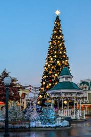 When Do Christmas Decorations Go Up At Disneyland A Guide To Celebrating Christmas At Disneyland Paris